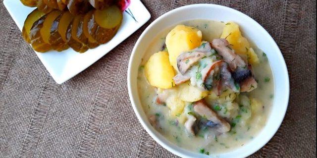 Как пожарить картошку с грибами на сковороде: ТОП-7 пошаговых рецептов