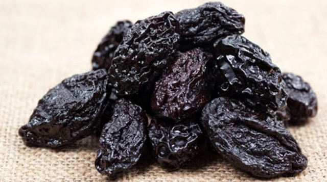 Чернослив – польза и вред для организма
