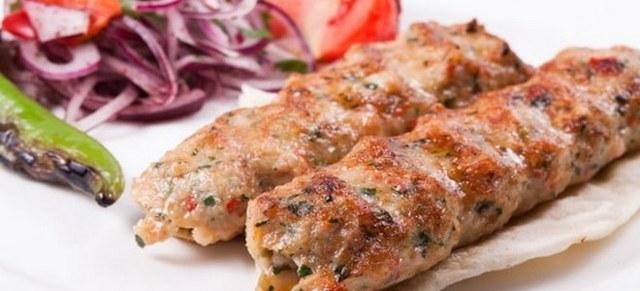 Как приготовить люля-кебаб в домашних условиях на сковороде: 5 рецептов