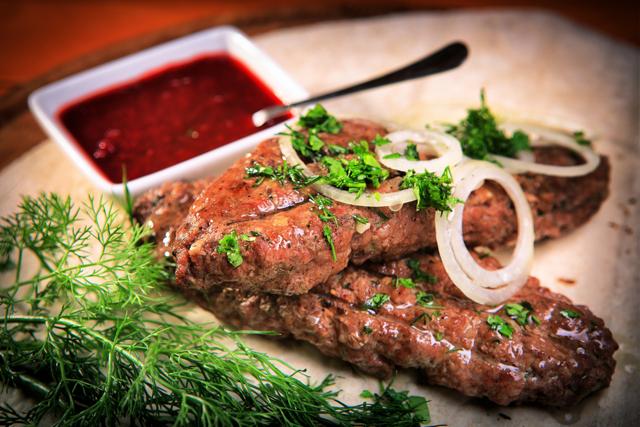 Люля-кебаб в духовке: ТОП-7 рецептов