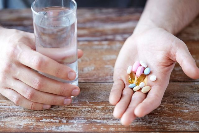 Болит желудок – что делать в домашних условиях?