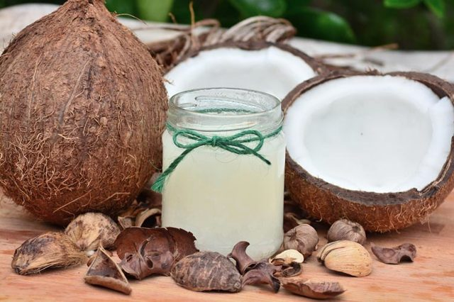 Маски с кокосовым маслом для волос: ТОП-10 лучших