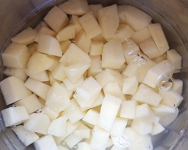 Жаркое по-домашнему из свинины с картошкой: ТОП-5 рецептов