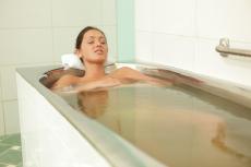 Сероводородные ванны – показания и противопоказания, польза и вред