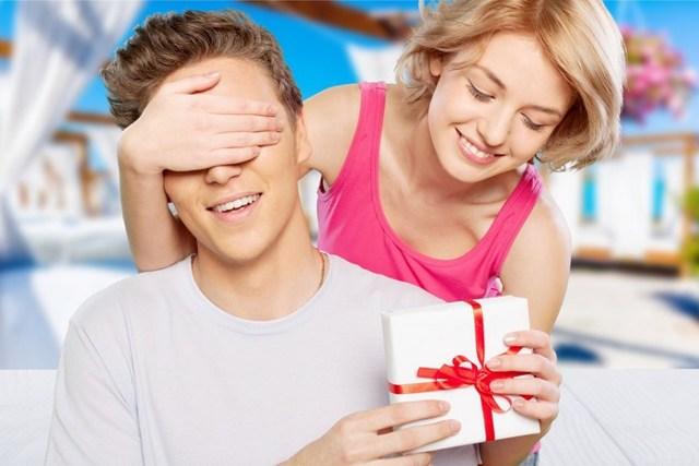 ТОП-90 идей, что подарить папе на День рождения от взрослой дочки и сына