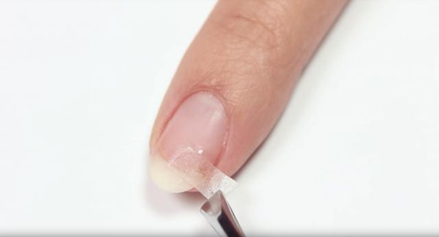 Как починить сломанный ноготь в домашних условиях: 5 способов