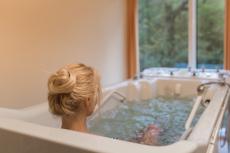 Радоновые ванны – показания и противопоказания, польза и вред