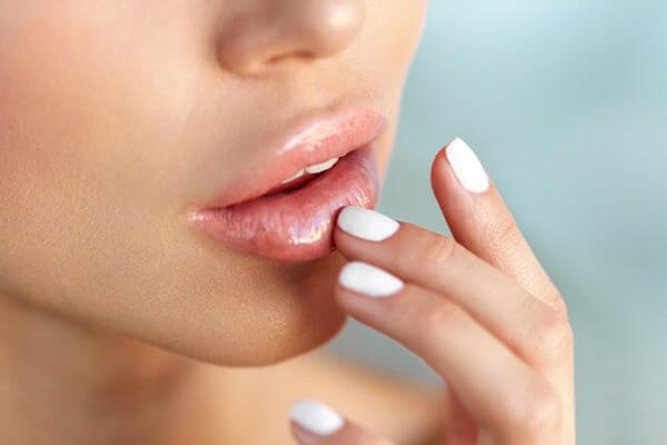 Как увеличить губы в домашних условиях: ТОП-19 способов