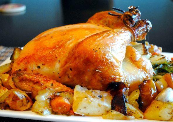 ТОП-10 рецептов, как приготовить курицу в духовке целиком с хрустящей корочкой
