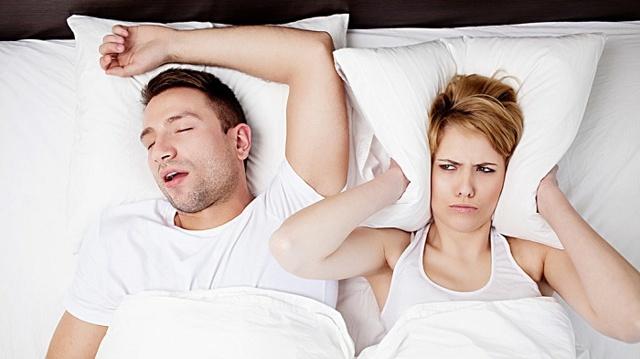 ТОП-20 способов избавиться от храпа в домашних условиях женщинам и мужчинам