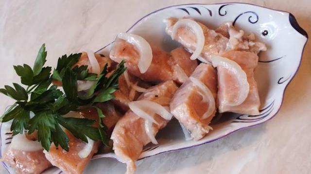 Горбуша соленая, как семга, в домашних условиях, очень вкусная: 7 рецептов