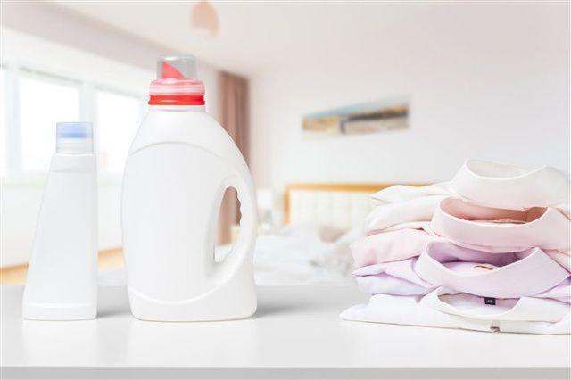 Как вывести желтые пятна от пота с белой одежды в домашних условиях: 9 способов