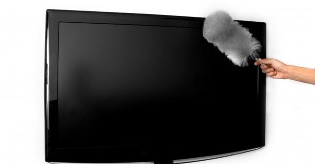 Чем протирать экран ЖК-телевизора в домашних условиях: 10 средств