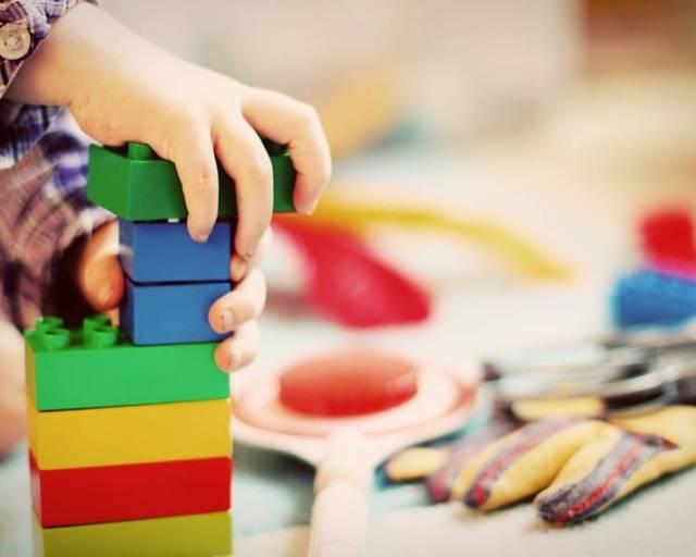 Подарок ребенку на Новый год: ТОП-20 идей