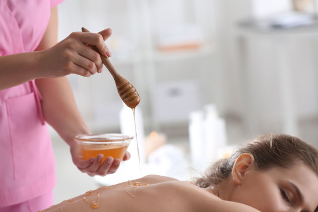 Медовый массаж от целлюлита в домашних условиях – техника выполнения