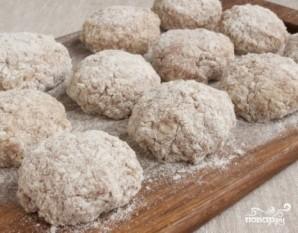 Как приготовить ежики из фарша с рисом, с подливкой на сковороде: 8 вкуснейших рецептов