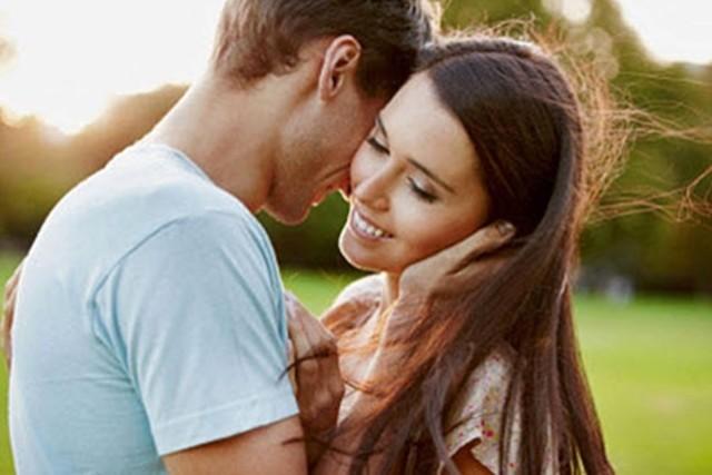 Как понять, что парень влюблен, но скрывает свои чувства