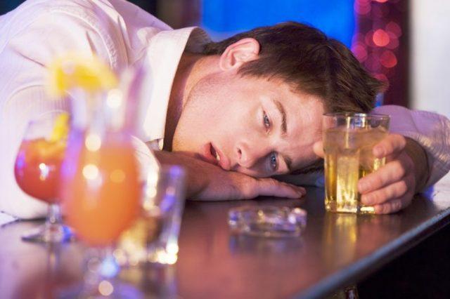 Отравление алкоголем – что делать в домашних условиях?