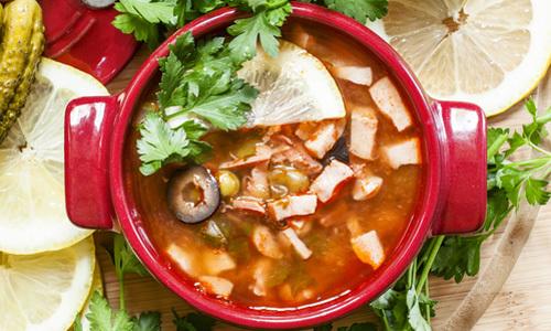 Топ-8 рецептов как приготовить солянку сборную мясную в домашних условиях.