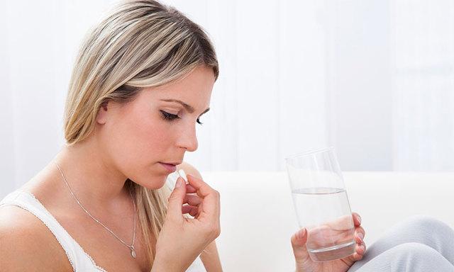 Свечи от молочницы эффективные, недорогие: список и цены