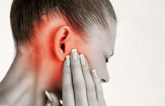 Заложило ухо – что делать в домашних условиях?